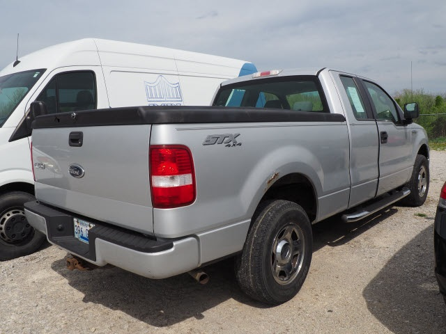 Pre-Owned 2005 Ford F-150 STX
