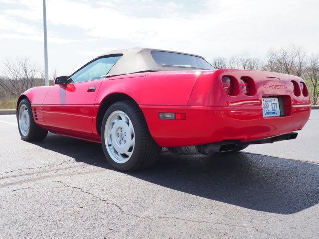 Pre-Owned 1992 Chevrolet Corvette convert