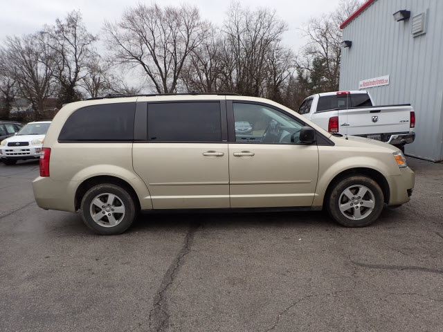 Pre-Owned 2010 Dodge Grand Caravan Hero