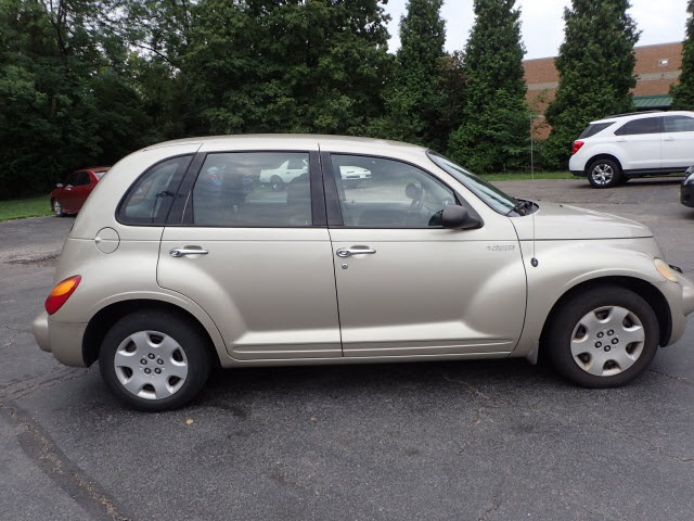 Pre-Owned 2005 Chrysler PT Cruiser Base